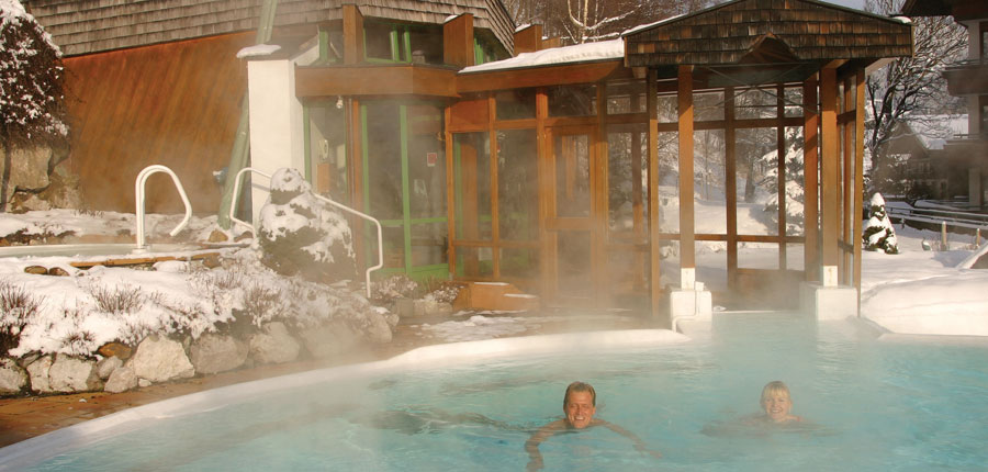Austria_Hinterglemm_Gardenhotel-Theresia_Outdoor-heated-pool.jpg